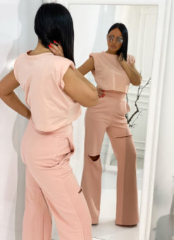 Peggy Blush crop top sa naramenicama i Jolie Blush trenerke/pantalone